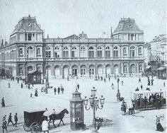La Gare du Nord et la Place Charles Rogier au début du siècle passé. Suite à l'achèvement de la jonction Nord-Midi, la Gare a été déplacée quelques centaines de mètres plus loin, à son emplacement actuel, place Simon Bolivar.