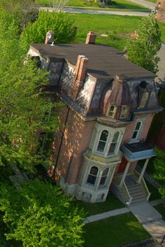 Derelict House Next to Beautiful Renovations in Brush Park [3108]   Flickr - Photo Sharing!