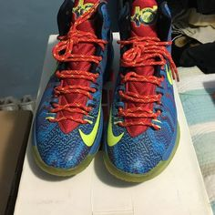 Kd V Christmas Good condition. Replacement box Nike Shoes Sneakers