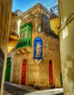 Corner Niche - Victoria, Gozo