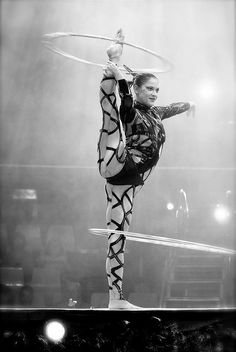 Learn How To Pole Dance From Home With Amber's Pole Dancing Course. Why Pay More For Pricy Pole Dance Schools? Pole Dance Moves, Pole Dancing, Circus Aesthetic, Hula Hoop Workout, Acrobatic Gymnastics, Circus Art, Aerial Hoop, Flow Arts, Night Circus
