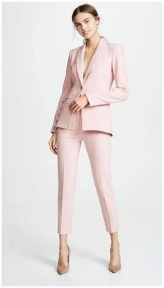 50 Non-Boring Work Outfits Ideas for Career Women GALA Fashion - business professional outfits for interview Suit Fashion, Work Fashion, Fashion Outfits, Fashion Design, Office Outfits, Mode Outfits, Look Blazer, Pantsuits For Women, Looks Chic