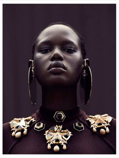 Ajak Deng - City Dweller - Obsession Magazine, 2012  Julia Noni  www.julianoni.com  via obsession.nouvelobs.com    for #composition #motion