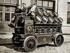 Antique Trucks, Vintage Trucks, Antique Cars, Classic Chevy Trucks, Classic Cars, Electric Truck, Commercial Vehicle, Cool Trucks, Pickup Trucks