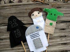 Star Wars Finger Puppets by Jesscalator Felt Puppets, Felt Finger Puppets, Hand Puppets, Star Wars Birthday, Star Wars Party, 3rd Birthday, Geek Crafts, Diy Crafts, Finger Puppet Patterns