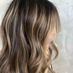 Chunky Highlights, Brown Hair With Blonde Highlights, Brown Blonde Hair, Light Brown Hair, Hair Highlights, Caramel Highlights, Color Highlights, Medium Blonde, Balayage Hair