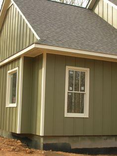 board and batten vinyl siding colors - Bing Green Siding, Exterior Siding Colors, Exterior House Siding, Exterior Trim, House Exteriors, Vertical Vinyl Siding, Siding Cost, Board And Batten Exterior, Siding Options