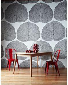 Large graphic wallpaper. #zincdoor #wallpaper #graphic