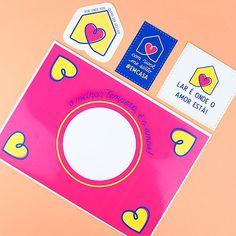 DIY: Caixa Verbo – Presente de Natal e Ano Novo   Namorada Criativa - Por Chaiene Morais Diy Mini Album, Mini Albums, Diy Calendario, Cute Valentines Day Gifts, Gifts For My Boyfriend, Love Cards, Instagram, Download, Planner