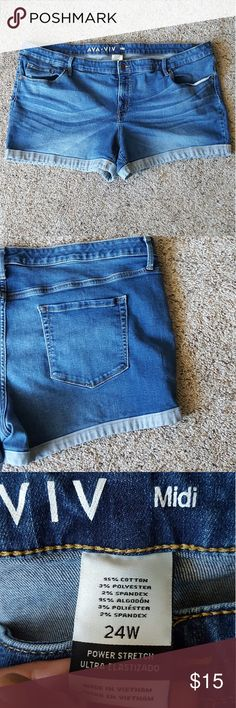 "Ava & Viv Midi Shorts Good condition. No visible flaws! Inseam: 4"" Ava & Viv Shorts Jean Shorts"