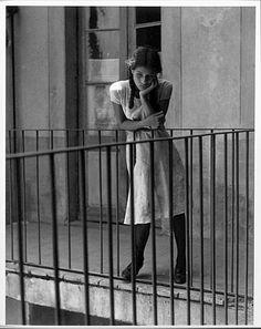 """"""" Anne, ma soeur Anne, ne vois-tu rien venir ? """" / """"Le songe"""" / Photo by Manuel Alvarez Bravo, 1931."""