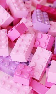 Udidudjd uploaded by Kasandra on We Heart It lego and pink afbeelding Aesthetic Pastel Wallpaper, Trendy Wallpaper, Pretty Wallpapers, Aesthetic Wallpapers, Pastell Wallpaper, Pink Wallpaper Iphone, Lego Wallpaper, Glitter Wallpaper, Galaxy Wallpaper