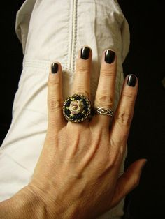 ••• Crocheted Ring with Rose Häkelring, mit Röschen bestickt ••• von crochet.jewels auf DaWanda.com