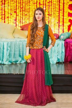 Pakistani dresses and frocks for mehndi Pakistani Mehndi Dress, Latest Pakistani Dresses, Walima Dress, Shadi Dresses, Pakistani Wedding Outfits, Pakistani Clothing, Indian Outfits, Wedding Hijab, Indian Gowns