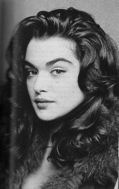 Likes, 52 Comments - Celebrities Rachel Weisz Young, Rachel Weisz The Mummy, Life Is Beautiful, Beautiful People, Pretty People, Beautiful Women, Big Nose Beauty, Rachel Weiss, Dramatic Hair