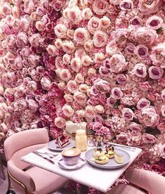 Blooming Lovely Cafe, in London