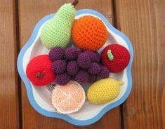 Fruit (pattern) for kids to play with Fruit Pattern, Knitting Needles, Crochet Hooks, Raspberry, How To Make, Kids, Crafts, Food, Play