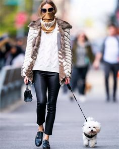 Olivia Palermo Street Style in a Black Tucked in Shirt Walking Her Dog New York, Spring Summer Olivia Palermo Wedding, Olivia Palermo Stil, Olivia Palermo Street Style, Olivia Palermo Winter Style, Emily Ratajkowski, Sport Top, Sport Outfit, How To Wear Scarves, Spring Street Style