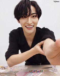 Boyfriend Memes, Ideal Man, Kim Hongjoong, Be My Baby, Bright Stars, Korean Men, Cute Icons, Kpop Groups, K Idols