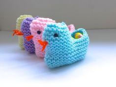 easy knitting pattern for Easter ducks from the homemakery blog