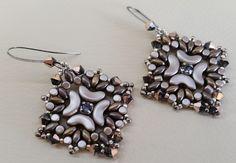 (immagine tratta da internet)     Buongiorno! La scorsa settimana mi sono arrivate delle perline nuove, molto molto carine: le Arcos e le...