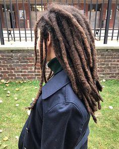 See this Instagram photo by @irinahernandezz • locks. Locs. Natural hair. Thick Locs. Loc'd hair. Women's Locs. Dreadlock Hairstyles For Men, Choppy Bob Hairstyles, Ethnic Hairstyles, Baddie Hairstyles, Rasta Dreads, Dreadlock Rasta, Freeform Dreads, Thick Dreads, Free Form Locs