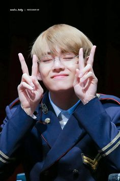 Find images and videos about kpop, bts and jungkook on We Heart It - the app to get lost in what you love. V Taehyung, Jimin, Bts Bangtan Boy, Bts Boys, Daegu, Kim Namjoon, Jung Hoseok, Seokjin, Taekook