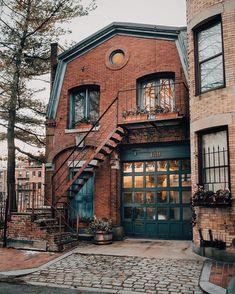 House Exterior Design Brick Garage Doors 66 Ideas For 2019 Old Bricks, House Goals, Cozy House, Cozy Cottage, My Dream Home, Dream Homes, Exterior Design, Exterior Paint, Future House