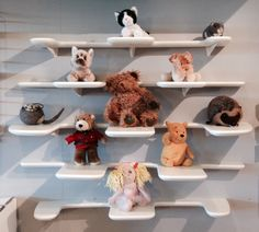 Fleimio Pine Cone wall shelf fits perfectly to children's rooms too. Image from Vepsäläinen Espoo 5/2015.