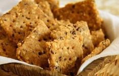 Aprenda a fazer 2 receitas Low Carb de Biscoito Cracker de Gergelim que são maravilhosos para o lanche a qualquer hora!
