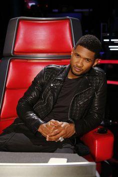 The Voice - Season 6 Usher Songs, The Voice Nbc, Usher Raymond, Gorgeous Black Men, Season Premiere, New Girlfriend, Christina Aguilera, Celebs, Celebrities