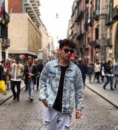 """Michele De Luca (@michele_de_luca_) en Instagram: """"' Napule è mille culure ' 🍕🎶 Ciao ragazzi !! Ieri sono stato a #Napoli .. che meraviglia, non…"""""""