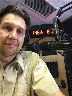 El Huevo, Radio Show - in Spanish! Aye!