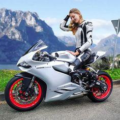 only if you want speed / photo of bikes / tricks / hotter / girls on moto / welcome gentlemen Moto Bike, Motorcycle Bike, Lady Biker, Biker Girl, Motard Sexy, Concept Motorcycles, Honda Motorcycles, Motorbike Girl, Bike Rider