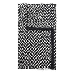 This woven rug from the Swedish brand Himla is created with a graphic black and white pattern, inspired from Japanese design. The model is called Kobe and is made of 100% cotton, giving a soft feeling under your feet. It is available in several sizes and suits well in all kind of rooms due to the minimalistic design.
