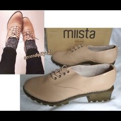 """Miista x UO Georgie Heeled Oxford - 9.5/40 NEW Miista x UO Georgie Heeled Oxford - DETAILS: • RETAIL $150 • SIZE: 9.5M/40 • HEEL: 2"""" • COLOR: Pink Cantu • Heeled oxford - part of a collaboration between UO & Miista • Rich leather upper topped wi/an eye-catching iridescent finish • Corded cotton laces & polished metal eyelets + a soft, leather-lined interior + cushioned footbed • Sturdy, textured rubber sole & block heel for an extra lil' boost •Leather, rubber, cotton, mixed metal; Spot…"""
