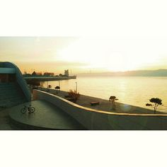 > #fromwhereweride #cycling #morningride #cyclistlife #wymtm #girlsonbicycles #girlpower #lightbro #goodmorning #goodmorninglisbon #sunrise_sunsets_aroundworld #landscape #water_brilliance #waterripples #sunrise  #pedalaremlisboa #riotejo #bicicleta #bikelove #bici #bicycle #beautifullisbon #river #sunny #cyclingshots #lisboa #champalimaud #torredebelem #riotejo