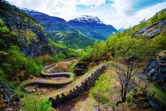 Ancient Road Vindhellavegen (10 places in Norway that look like they came from fairy tales)