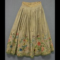 Woman's petticoat made from grayish-beige silk twill with elaborate border, about 16 inches deep, embroidered in bright polychrome silks. Embroidered design consists o … Vintage Outfits, Vintage Dresses, Vintage Fashion, Edwardian Fashion, 18th Century Clothing, 18th Century Fashion, Ethno Style, Fashion Mode, 70s Fashion