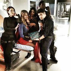Team Supergirl