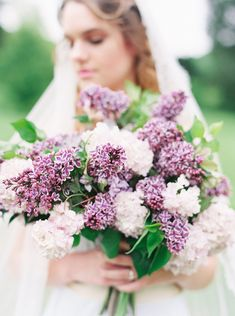 Country Wedding Bouquets, Lilac Wedding Flowers, Dahlia Wedding Bouquets, Lilac Bouquet, Spring Bouquet, Bridal Bouquets, White Flowers, Rose Wedding, White Roses
