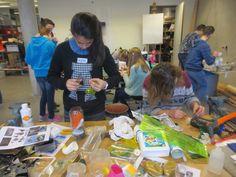 workshop op Teylingencollege in Noordwijk plastic Aliens maken