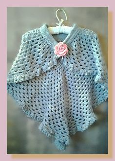 châle femme au crochet fil à tricoter bleu gris : Echarpe, foulard, cravate par chely-s-creation