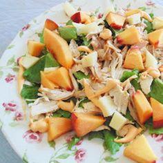 Salada de Frango, pêssego e queijo cabra curado