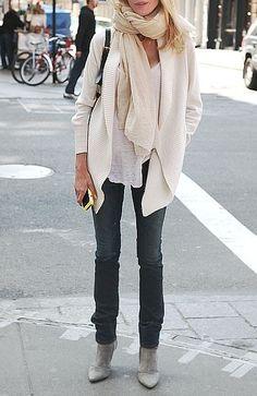 Winter whites + skinny jeans.