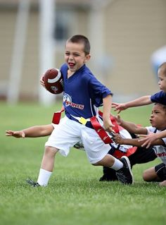 Flag football allows kids to learn the fundamentals of the game with the risks. Youth Flag Football, Tackle Football, Football Program, Football Team, Games For Boys, Perfect Game, I 9, Kids Playing, Have Fun