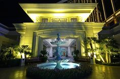 The Four Seasons has its own entrance, but its rooms occupy the top five floors of Mandalay Bay.