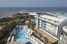 Sea Shell Resort & Spa - Sahile sadece birkaç adım mesafede bulunan Seashell; özel bir plaj alanına, açık/kapalı yüzme havuzlarına ve spa tesislerine sahiptir. Otel; konuklarına ücretsiz Wi-Fi, düz ekran TV ve balkon içeren klimalı odalar sunmaktadır.  Standart oda 215 ( 34m² …