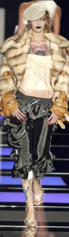 Christian Dior - Couture spring summer 2004 - John Galliano