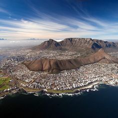 ❤️ Cape Town .. Africa Mission Trip, South Afrika, Cape Town South Africa, Table Mountain, Love Pictures, Countries Of The World, Wanderlust Travel, Places To Visit, City